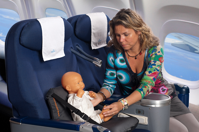 Air Traveler Layette Essentials Travel Cots Feeding